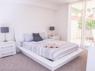 Great Miami Vacations - Sunny Isles Beach vacation rentals
