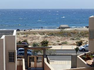 Duplex with wifi front cabezo beach El Medano - Santa Cruz de Tenerife vacation rentals