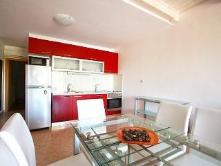 2 story apartment with sea views - Koralj - Cove Makarac (Milna) vacation rentals