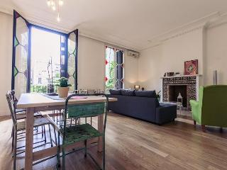 Luxury apartment in the centre for up to 11 guests - Barcelona vacation rentals