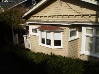 """Accommodation for Discerning Guests -""""Kerr Street"""" - Wainui vacation rentals"""