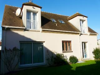 4 bedroomed House Nr Disneyland Paris - Magny-le-Hongre vacation rentals