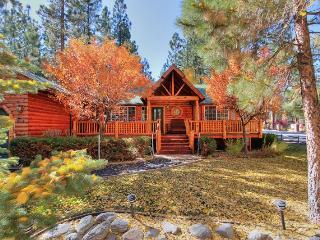 Boo Bear's Lodge - Pool Table! Spa! Fenced Yard! - City of Big Bear Lake vacation rentals
