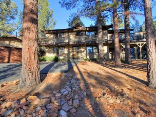 Whispering Bear Lodge- Pool! Foosball! Spa! Views! - City of Big Bear Lake vacation rentals