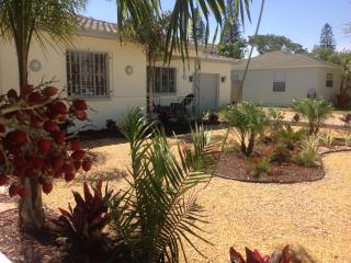 Cottage, Walk to beach, Pet Friendly - Saint Pete Beach vacation rentals