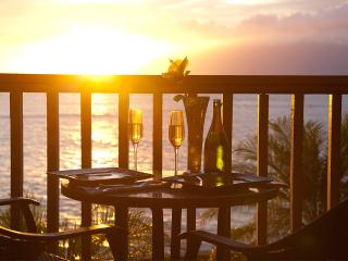 Sale! Romantic, 5 Star Luxury, 25' from the Ocean! - Lahaina vacation rentals