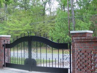 Breezeway Studio Manor near Tybee Island  (Twin bedroom) - Savannah vacation rentals