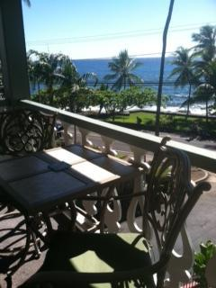 Oceanfront In Downtown Kona Too - Walk All Around Town - Image 1 - Kailua-Kona - rentals