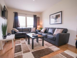 Niagara Escape - Weekly Discounts! - Port Colborne vacation rentals