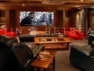 ULTRA LUXURY 4 BEDROOM/5 BATH (VL2) PRIVATE CINEMA & SWIMMING POOL! - Province of Neuquen vacation rentals