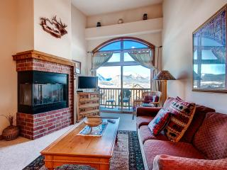 DILLON COMMONS: SW Style Condo in Downtown Dillon, Studio-type 1 Bed/1 Bath, W/D, Awesome View! - Dillon vacation rentals