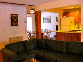 Highly Rated Stonehurst Condo, North Conway, NH - Madison vacation rentals