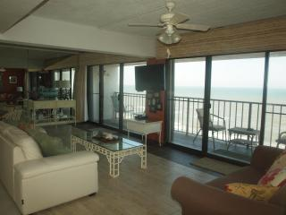 Dreamer's Paradise By The Sea - 2 Balconies!!!! - Bacliff vacation rentals