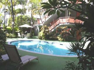 Renovated condo in the Hawaiian Resort - Honolulu vacation rentals