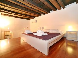 Suite Santa Maria Novella - Florence vacation rentals
