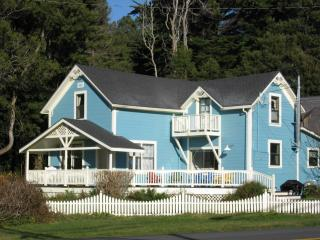 Country Victorian With Beautiful Ocean Views - Fort Bragg vacation rentals