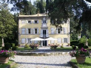 Aristocratic 17th century Villa Lenka nestled in tranquil Italian gardens with pool & daily maid - Vorno vacation rentals
