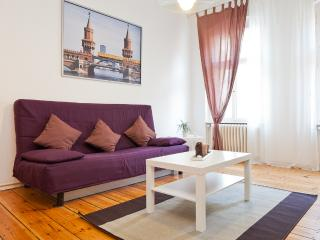 Charming Apartment in Central Berlin 1 - Berlin vacation rentals
