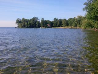 Lakeside Canadian Cottage 1 Hour from Toronto - Innisfil vacation rentals