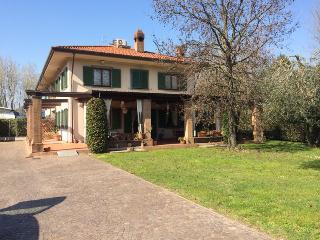 Tuscan Villa Rental in Forte dei Marmi - Forte Dei Marmi vacation rentals