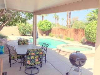 So Palm Desert 4bd  Pool/Spa  2car - Palm Desert vacation rentals