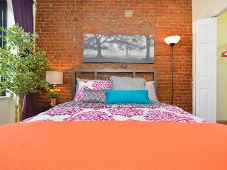 Razzmatazz Dramatic 2 Bedroom - New York City vacation rentals