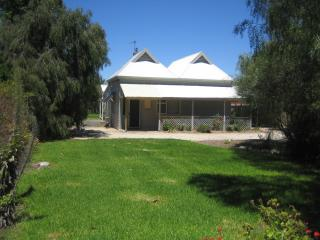 Showgrounds Cottage - Naracoorte vacation rentals