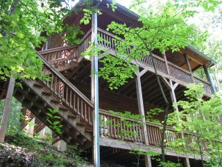 3 Story Log Chalet,888-HelenGA,(phone: hidden) - Sautee Nacoochee vacation rentals
