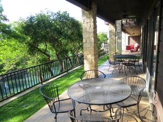 Luxury 1st Fl Condo on the Comal by Schlitterbahn - New Braunfels vacation rentals