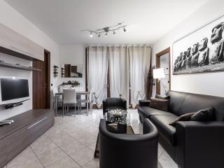 Suitelowcost - Suite 4 stars**** - Limbiate vacation rentals