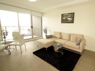 Atria - Selfserve Apartments Parramatta - Hawkesbury Valley vacation rentals