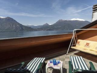 Apt with panoramic terrace in Varenna - Varenna vacation rentals