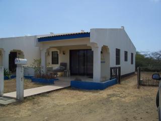 2 BR apt. 10% discount on DIVING, rental car. - Bonaire vacation rentals