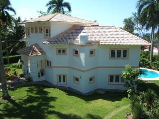 Private, secure villa in the hills overlooking Sosua. - Sosua vacation rentals