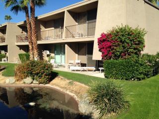 Resort Condo, Walk To Best Restaurants & Shopping - Palm Desert vacation rentals