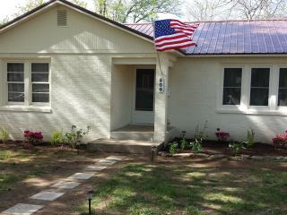 Van Gogh Villa: Walk to Crystal Bridges and Square - Bentonville vacation rentals