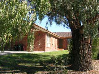 East Doncaster Pine Hill Accommodation - Doncaster East vacation rentals