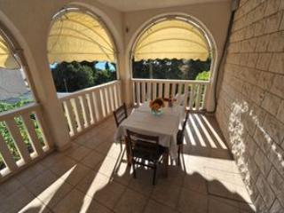 Villa WhiteHouse - Apartment 2 - Image 1 - Omis - rentals