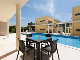 3 Bedroom Deluxe Villa with Pool in Foz do Arelho, Silver Coast - Nazare vacation rentals