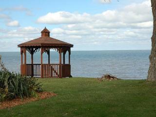 Cozy Cottage on Lake Erie - Huron vacation rentals