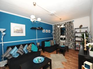 Trendy 2 Bedroom Apartment in the Heart of London - London vacation rentals