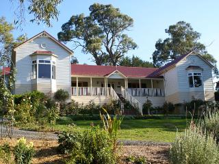 Annabelle of Healesville B & B Magnolia Room - Yarra Valley vacation rentals