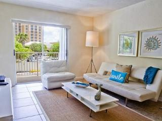 2 Bdrm in Key Biscayne steps from the Beach* - Key Biscayne vacation rentals