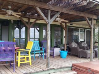 125.00 a NGT- LEAVE IT ALL BEHIND FOR THE WEEKEND - Lakehills vacation rentals