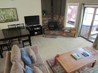 Forest Creek Bright Townhouse Dogs OK Private Spa - Mammoth Lakes vacation rentals