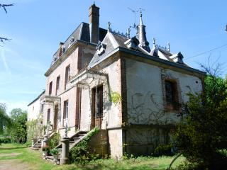 19 th Century Mini Chateau in Limousin France. - La Souterraine vacation rentals