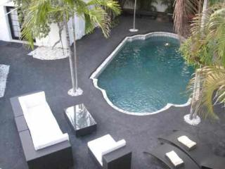 South Beach Miami: 2 Room Resort Poolview Villa - Miami Beach vacation rentals
