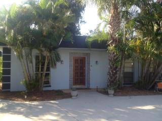 Stay on Siesta - Crescent St. - Siesta Key vacation rentals