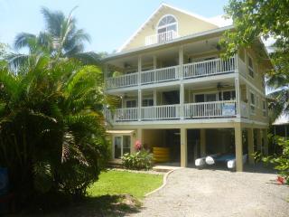 Very nice, modern, 1 bedroom condo - Isla Bastimentos vacation rentals