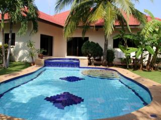 Villas for rent in Hua Hin: V6091 - Prachuap Khiri Khan Province vacation rentals